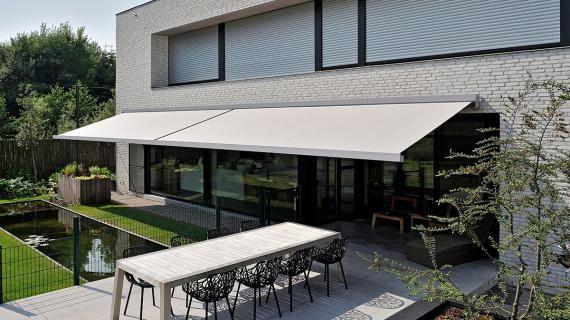 Brustor - zonwering B27 Elite - zonnescherm terras - knikarmscherm