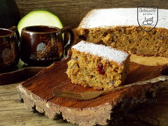 Gotowanie jest łatwe: Kawowe ciasto z cukinii z żurawiną i orzechami
