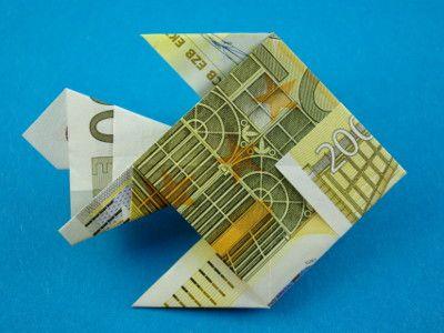 Origami Goldfisch aus einem Geldschein