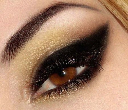 Just wish I could actually  do my makeup like thisFall Beautiful, Eye Makeup, Cat Eye, Dramatic Eye, Black Eyeliner, Black Gold, Eyemakeup, Smokey Eye, Black Cat