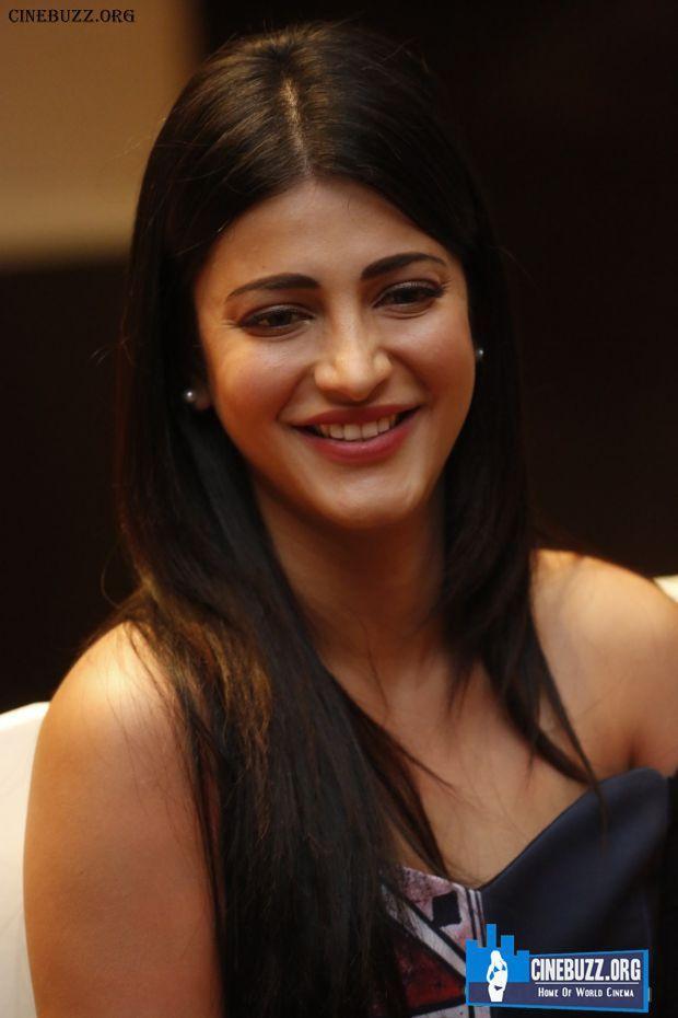 Actress Shruti Haasan Latest Photos