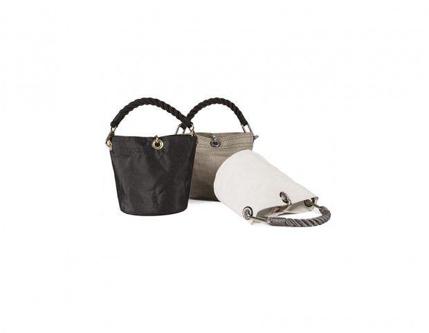 Bucket bag Guvano Christmas presents for Tu Style web magazine http://www.tustyle.it/moda/regali-per-mamma-idee-pensieri-natale-2016-borse-accessori/2732648/