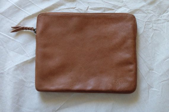 Cetta Ipad case in vintage look genuine leather with lurik lining