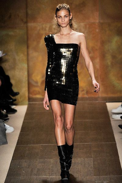 Hervé Léger by Max Azria Fall 2009 Ready-to-Wear Collection - Vogue