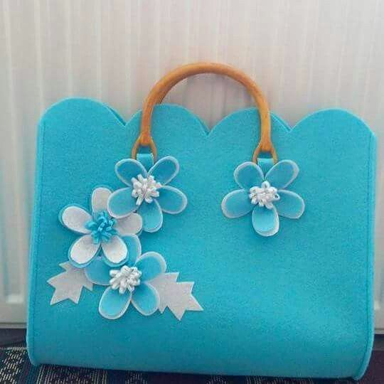 Lovely Blue Felt Flower Bag! :-)