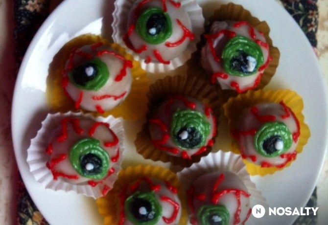 Halloween szemek