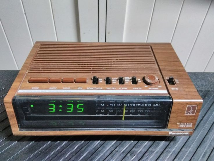Vintage Panasonic RC-6050 Digital Clock AM/FM Radio Woodgrain Green Display #Panasonic