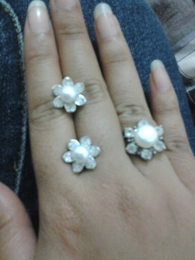my lovely ring meets her match earings..pearl is always adorable..
