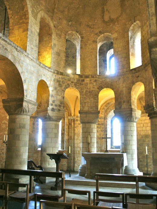 St. John's Chapel, Tower of London (Norman--11th C.)