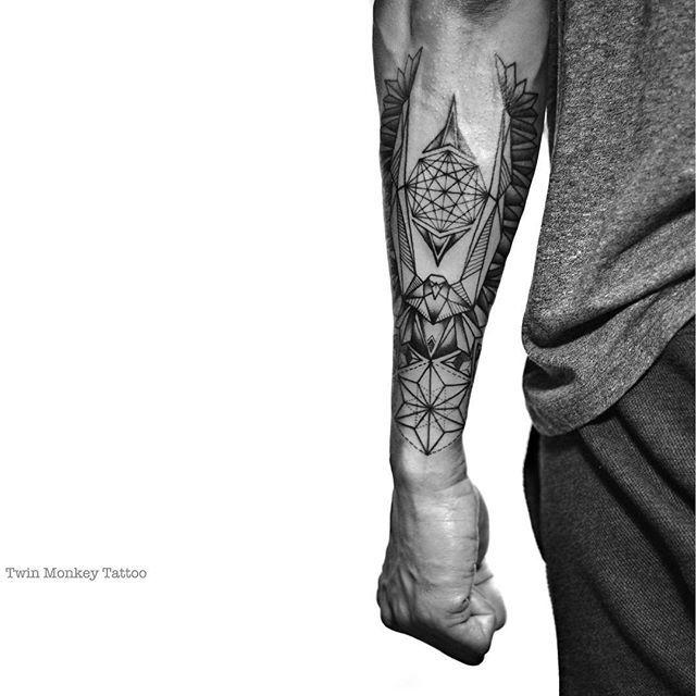 stand tall, keep fight!! #twinmonkeytattoo #tattoo #geometric #tattoos #forearm #blackwork #blackart #tatuaje #tattoolife #ink #tattooed #photography #intenze #blackworkerssubmission #vsco #vscocam #btattooing