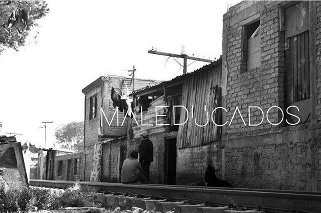 El Colectivo Maleducados tiene el honor de invitarlos a la presentación de este proyecto.  Vamos a descubrir juntos la riqueza que tiene México en dististas presentaciones, principalmente en el arte y diseño, la sensibilidad de nuestro ser artístico y hacerlo paralelo con nuestro ser social.  Con una pequeña proyección, música, fotografía acompañado de algunas cervezas daremos a conocer nuestras iniciativas y algunos proyectos internos, donde ustedes son nuestros mayores referentes…