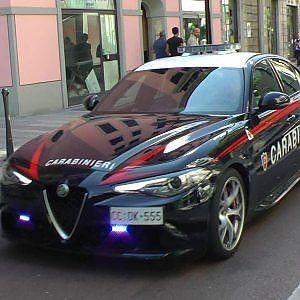Lavoro Bari  I carabinieri erano di passaggio sul lungomare quando hanno notato un uomo che tentava di darsi alla fuga dopo il furto. Non era un addetto alla manutenzione....  #LavoroBari #offertelavoro #bari #Puglia Bari tenta di rubare una videocamera pubblica per strada: arrestato 41enne