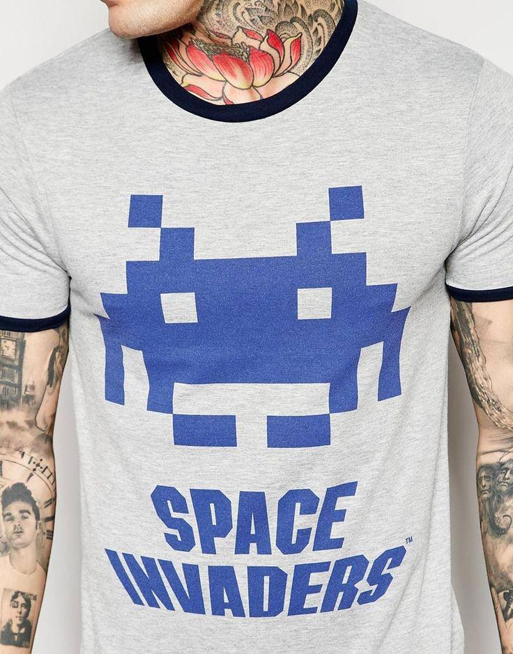 コントラストの首とスペースインベーダー印刷とASOSマッスルTシャツの画像3
