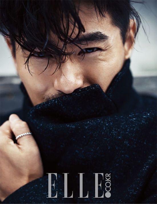 Tercero Lote de fotos de Lee Jin Wook Desde la edición de noviembre de Elle Corea   Couch Kimchi