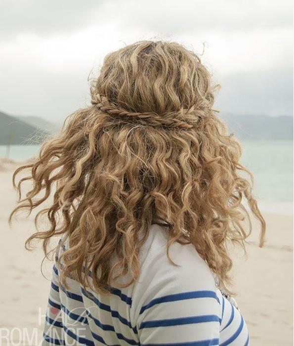 Vous manquez d'inspiration pour mettre en valeur votre crinière de lion? Voici 15 idées de coupes et de coiffures pour les cheveux bouclés trouvées sur Pinterest!