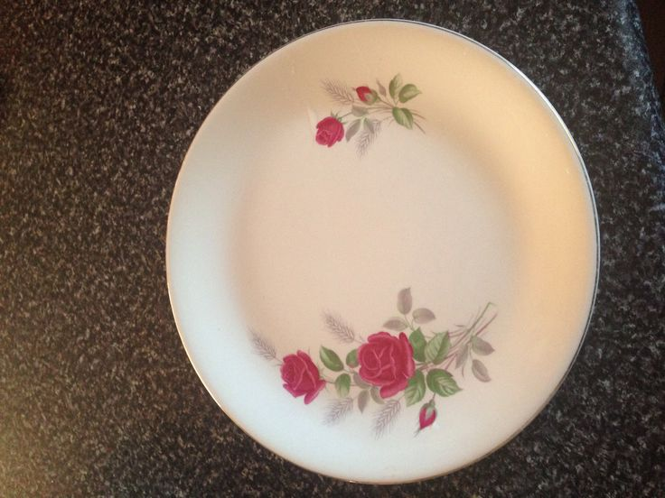 Alfred Meakin dinner plate. Pretty rose.