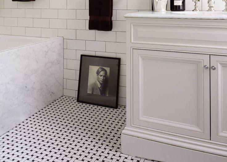 Best 25 Vintage Tile Floor Ideas On Pinterest  Vintage Bathroom Extraordinary Black And White Mosaic Tile Bathroom Decorating Inspiration
