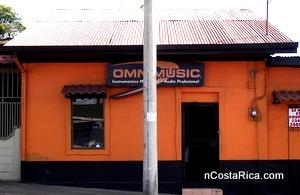Instrumentos Musicales Omnimusic le espera en la bella ciudad de Grecia, Costa Rica; estamos del Palí 125 mts al este. Nos especializamos en la venta de instrumentos musicales y sus accesorios.
