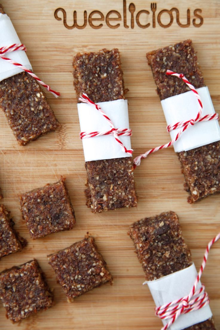 Homemade Chocolate Chip Protein Bars - perfect for an after school snack! | Video from Weelicious