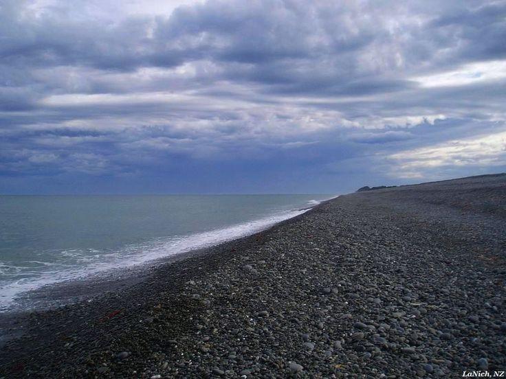 Pasific Ocean, near Oamaru, New Zealand (by Larisa Nicholls)