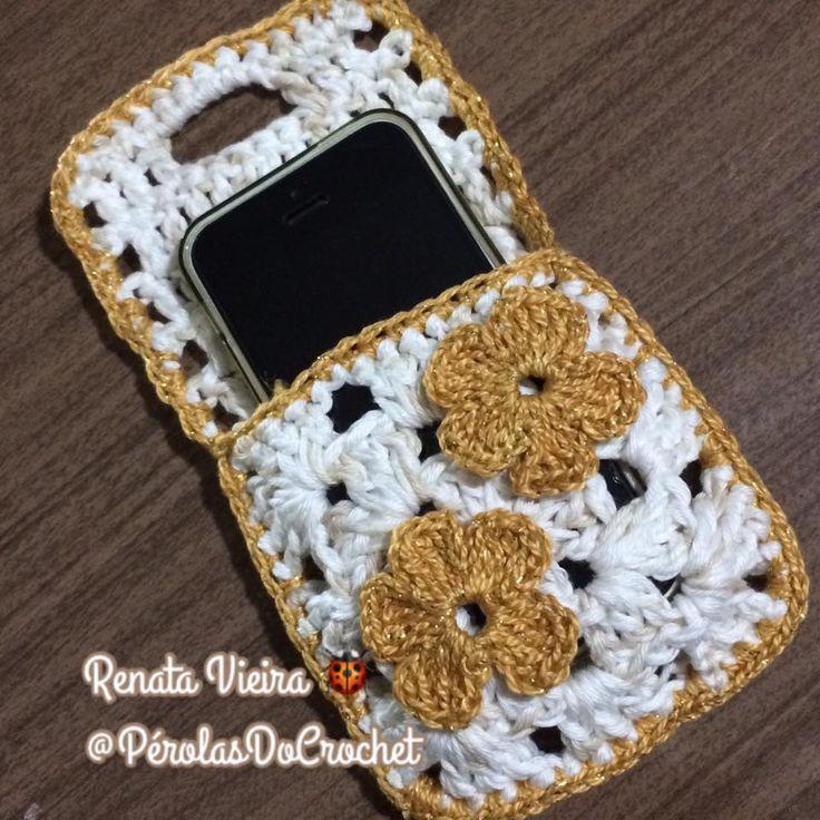Suporte carregador para celular em crochet   Usei fio Charme duplo e agulha 3,5mm   Acabamento com fio Anne        Faça um square simpl...