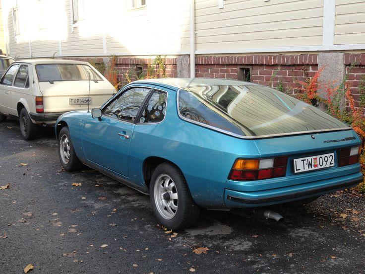 Porsche 924 (Swedish registered) and 1980s Opel Astra. Lonttinen, Turku, autumn 2011.