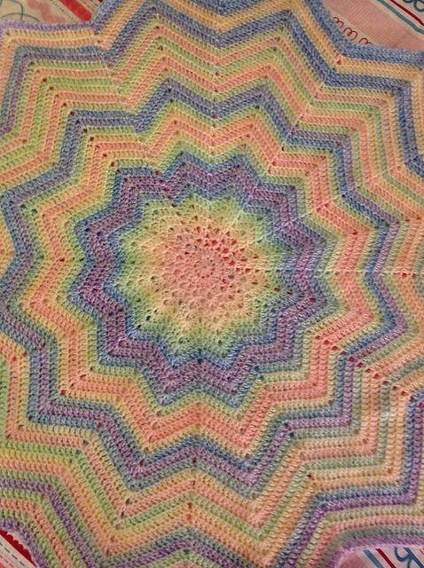 116 besten Round ripple/star blankets Bilder auf Pinterest ...