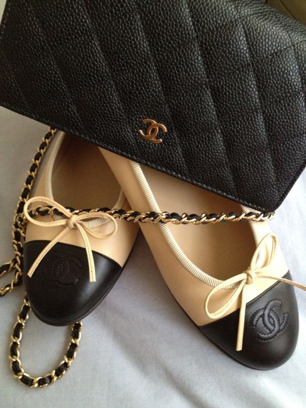 Love these Chanel ballet flats!