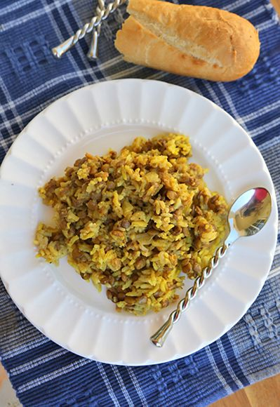 #SlowCooker Curried Rice & Lentils...I'm going to try this since I'm trying to eat less meat...add some green beans and its a meal!
