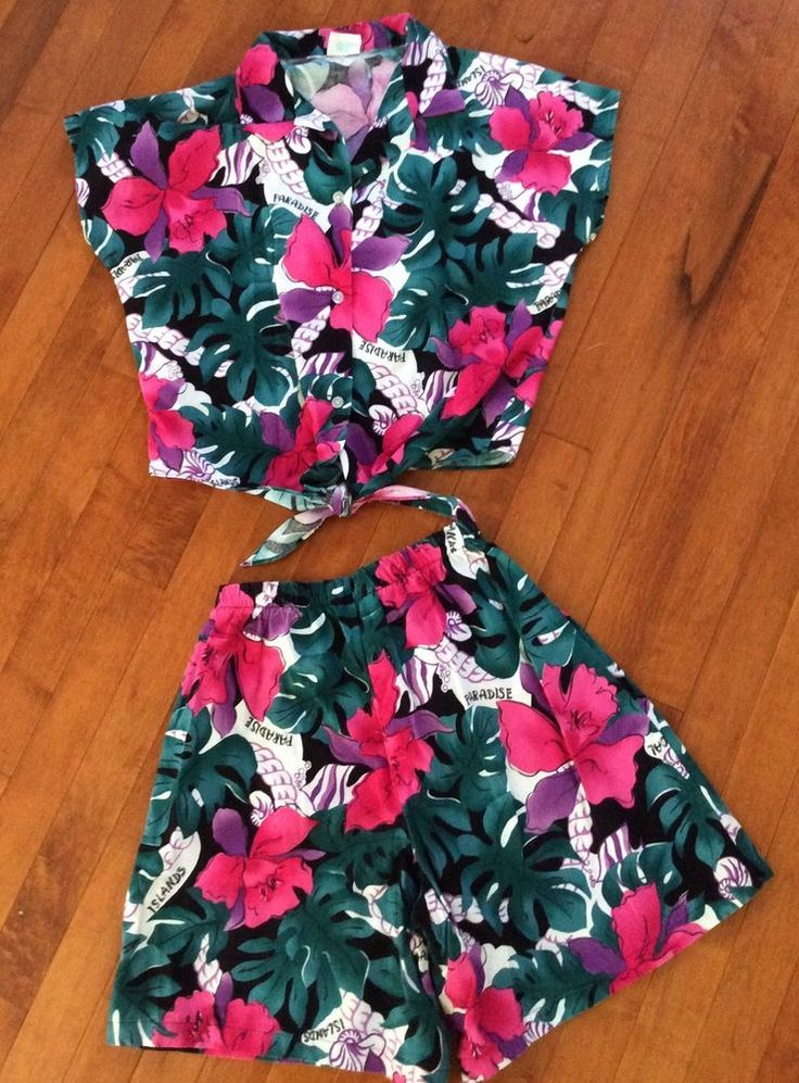 """Jade Fashions Made in Hawaii top & shorts outfit. Cotton or cotton/polyester blend tropical pattern fabric in predominantly green/blue shades with large magenta and purple flowers with the word, """"PARADISE"""".   eBay!"""