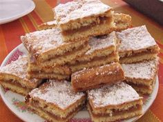 Placinta cu mere - retete culinare.Reteta placinta cu mere.Mod de preparare si ingrediente placinta cu mere.