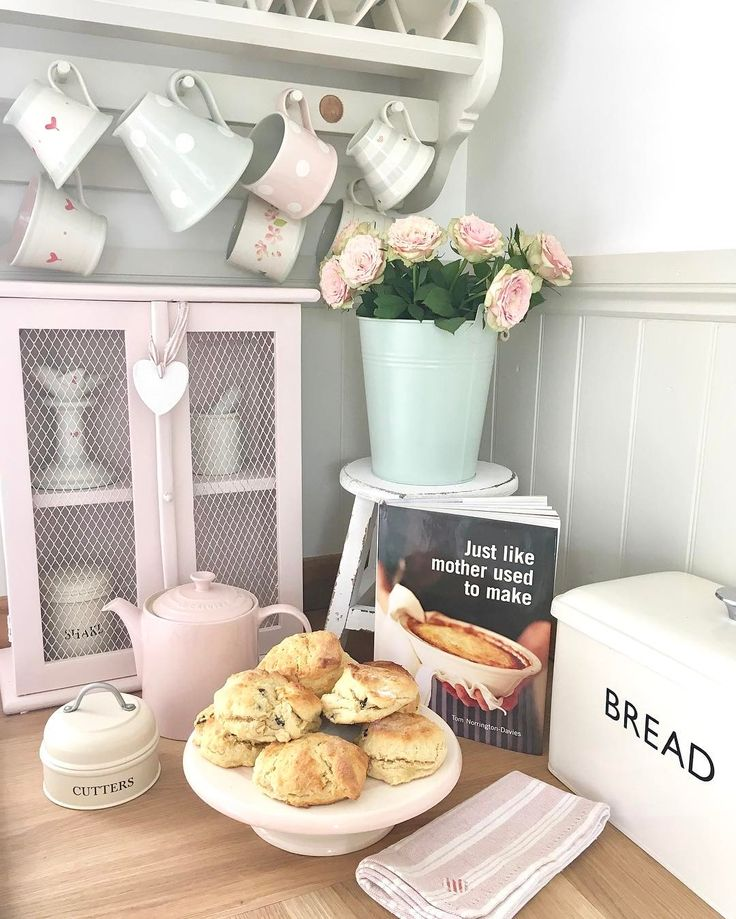 """506 Likes, 20 Comments - Pauline @hugsandhearts_ (@hugsandhearts_) on Instagram: """"Fresh out the oven #susiewatson #cottagelife #scones #homemade #pinkcupboard #roses"""""""