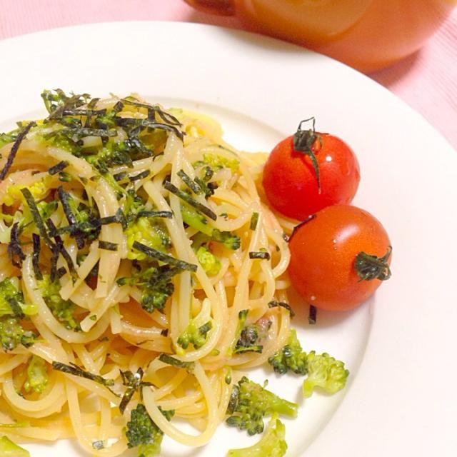 簡単夕飯 たらことブロッコリーのスパゲティ もやしと小松菜のコンソメスープ - 11件のもぐもぐ - ブロッコリーとたらこのスパゲティ by chihiroish95Z