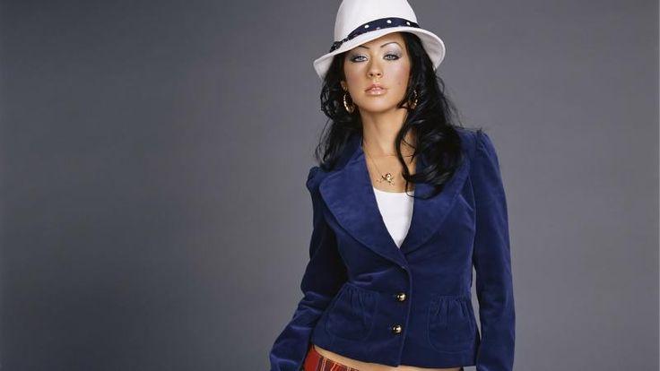 Charming Look Of Christina Aguilera