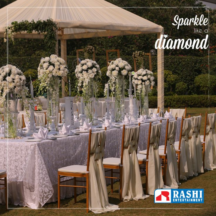 Our outdoor #wedding #decors are designed to complement your beauty on your special day.