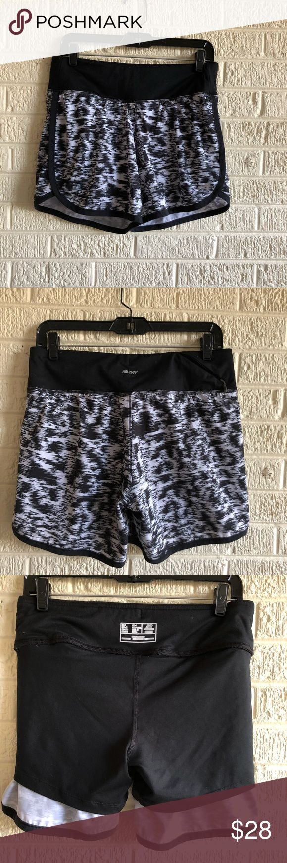 """New Balance Running Shorts women's 5"""" Printed Impact Short Cut from moisture-wicking stretch woven fabric, wide jersey waistband ensures a secure fit, and the internal comfort brief stays in place during long runs. Just too big for me.worn twice. New Balance Shorts"""