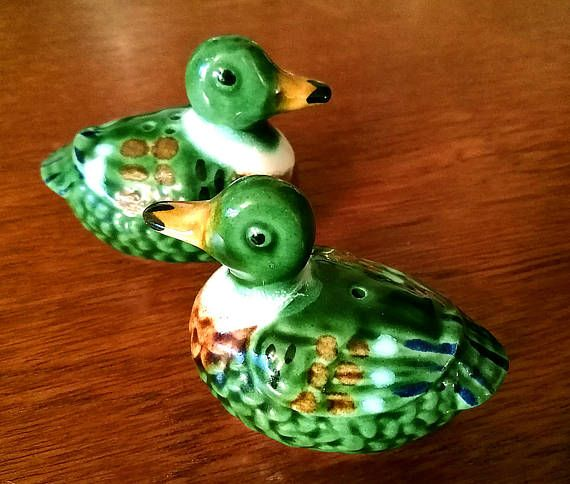 Collectors Novelty Salt and Pepper Set Pair of Ducks Salt and