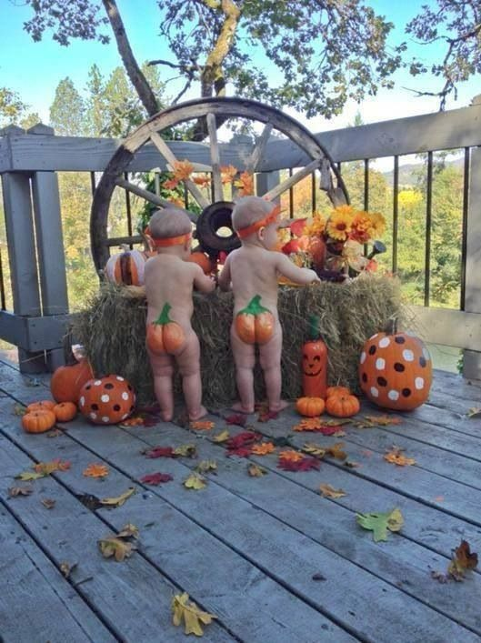 Fall kid picture-this would be so cute for your bambinos Erin