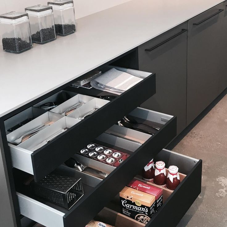 Make kitchen storage and organisation easy with drawer dividers, so everything has its place!  SieMatic Kitchens coming soon to Canberra.…