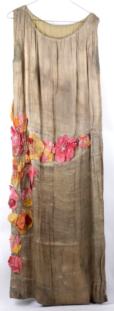 A Drop Waist 1920s Dress. Sleeveless, circa 1925-35, applied flowers.