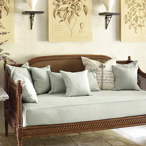 case ... - Small Space Daybed