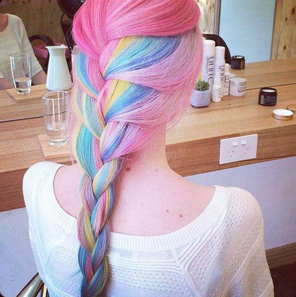 Cheveux arc-en-ciel version tresse