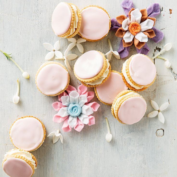 How to make delicious Vanilla Cream Biscuits. #HappyMothersDay #MothersDay #SpoilMum #Treat #Biscuits #Vanilla #Cream