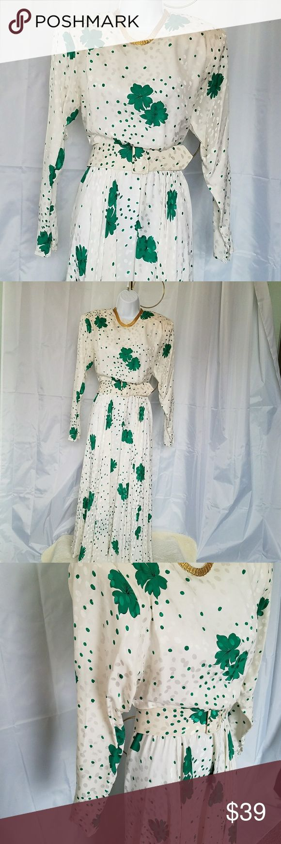 VINTAGE RAUL BLANCO CIRCLE SKIRT DRESS 8 VINTAGE RAUL BLANCO CIRCLE SKIRT BELTED DRESS. This a gorgeous dress. Size 8. Measurements will follow soon. Vintage Dresses Midi