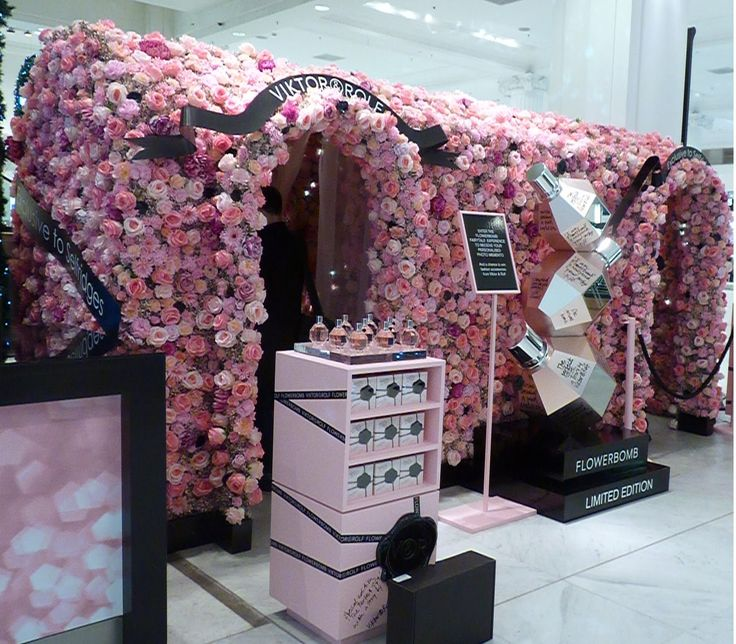 Wonderful enchanted garden display by Viktor&Rolf for thier Flowerbomb perfume