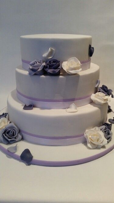 Bruidstaart wit/paars/lila