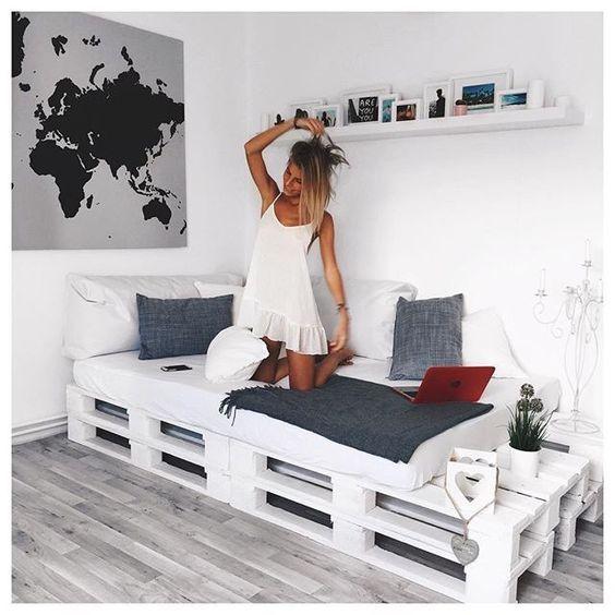 Streichen Sie Paletten in einer weißen Farbe damit sie noch moderner aussehen… 12 sehr schöne Beispiele um selbst nach zu machen!