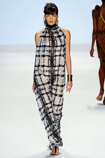 This pic doesn't do this dress justice - really beautiful, and I bet it'd work for more curvy girls like yours truly, too - outfit by Project Runway's Anya Ayoung-Chee