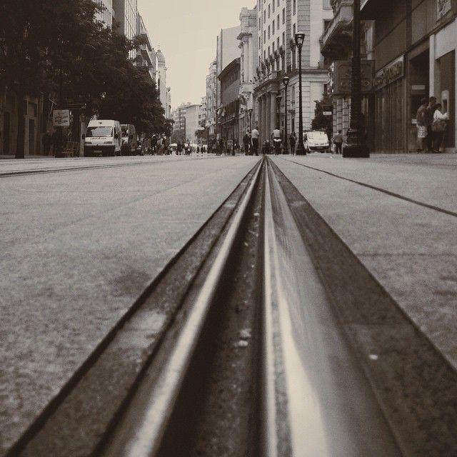 Y todo volvió a la normalidad y las calles se quedaron con el vibrar de los recuerdos hast el próximo año. #zaragozadestino #vscozgz #a_rasdesuelo