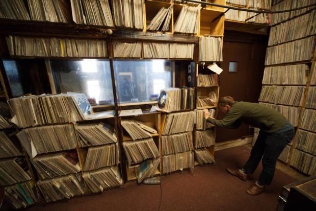 Bedbugs Shut Down University Of Chicago Radio Station